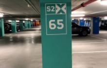 Señalización vial en Madrid - columnas parking- Pinturas Cobalto